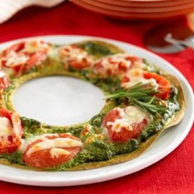 Holiday Wreath Pizza